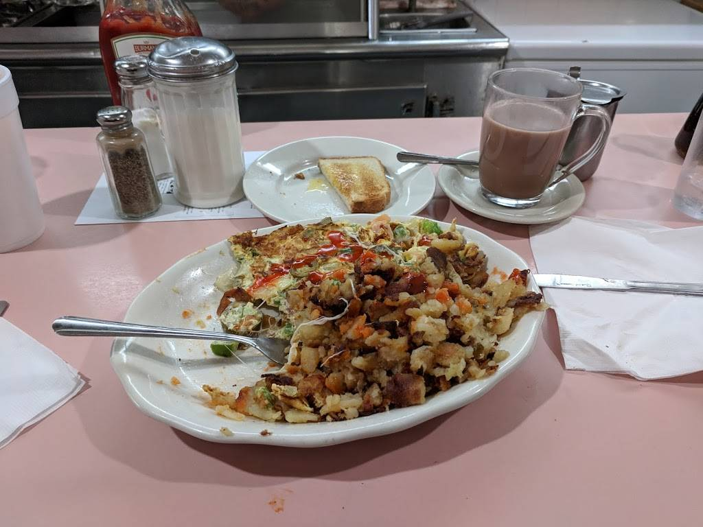 Charlies Restaurant | restaurant | 5904 Bergenline Ave, West New York, NJ 07093, USA | 2018611220 OR +1 201-861-1220