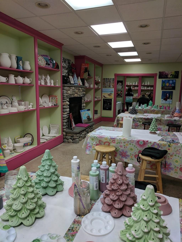 Reynolda Village Shops & Restaurants | shopping mall | 2201 Reynolda Rd, Winston-Salem, NC 27106, USA | 3367585584 OR +1 336-758-5584