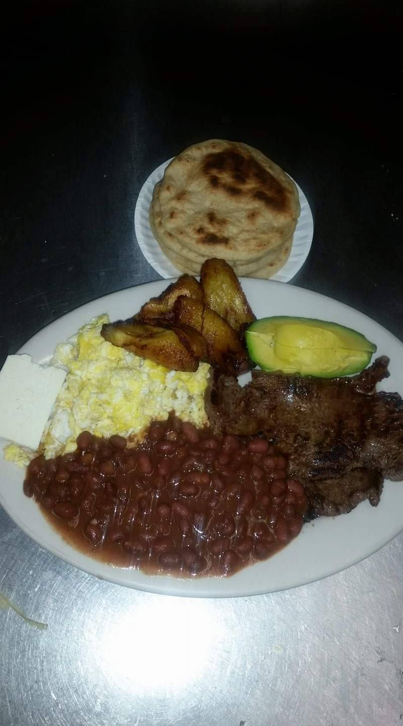 El Salvadoreño | restaurant | 207 Anderson Ave, Fairview, NJ 07022, USA | 2012824741 OR +1 201-282-4741