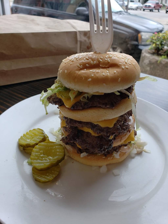 Hamburger Mikey | restaurant | 1125 3rd St, Muskegon, MI 49441, USA | 2313279028 OR +1 231-327-9028