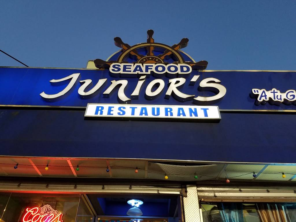 Juniors | restaurant | 20 W Burnside Ave, Bronx, NY 10453, USA | 7185836565 OR +1 718-583-6565
