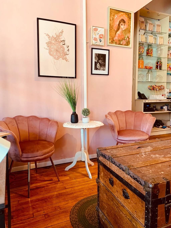 Warners Old Fashioned Soda Shoppe | restaurant | 88 W Main St, Waynesboro, PA 17268, USA | 7176552515 OR +1 717-655-2515