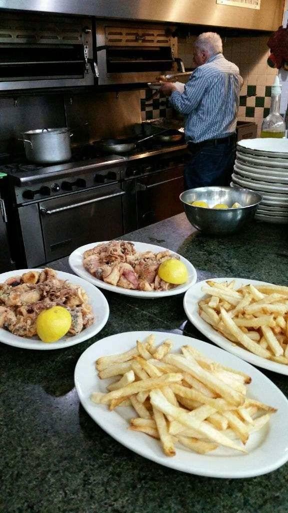Kotiko Spiti   restaurant   4119 23rd Ave, Astoria, NY 11105, USA   7187283325 OR +1 718-728-3325