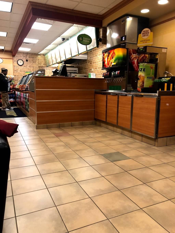 Subway Restaurants   restaurant   724 Clark St Space No 724, Evanston, IL 60201, USA   8478646600 OR +1 847-864-6600