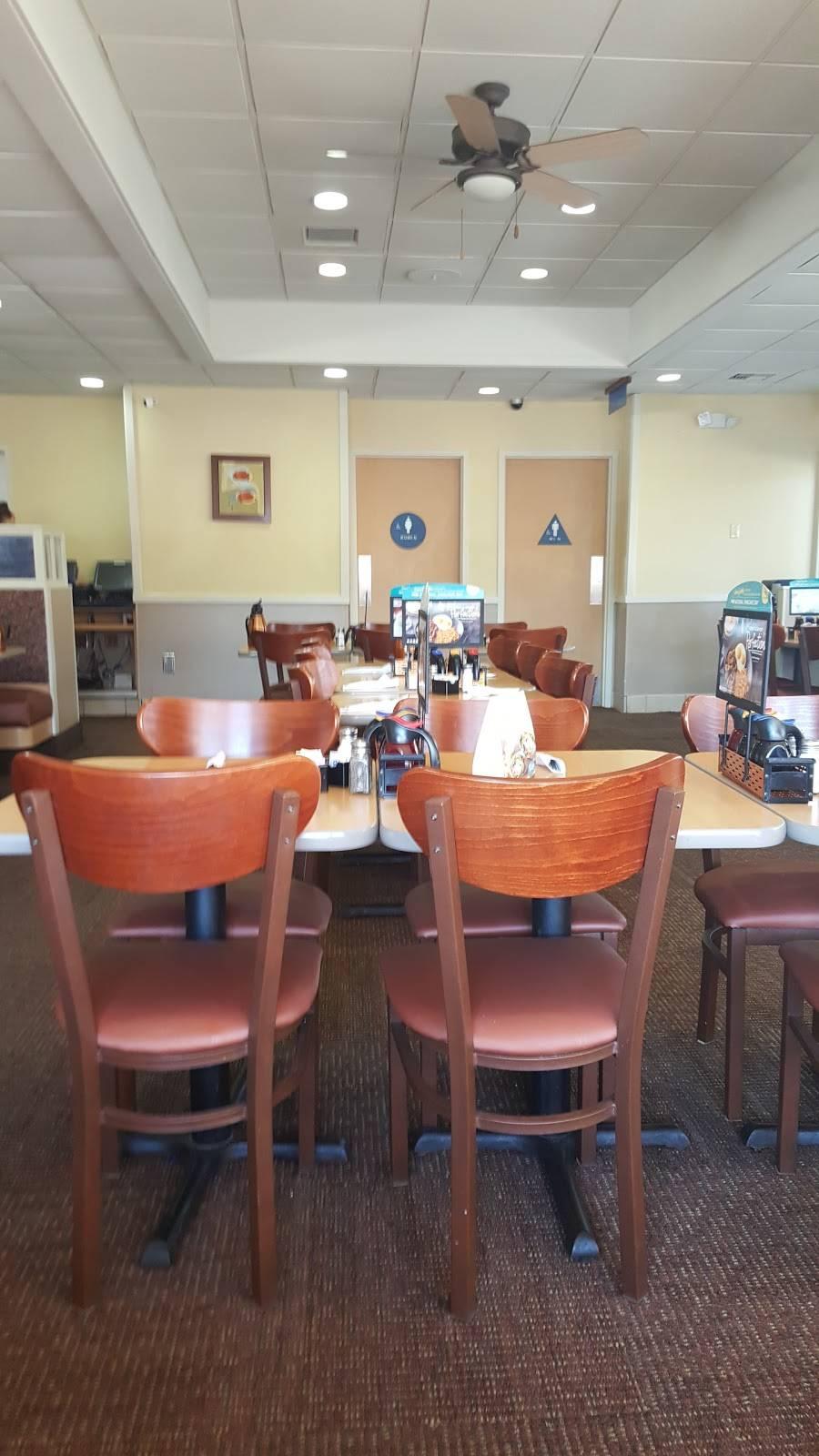 IHOP | bakery | 15447 Warwick Blvd, Newport News, VA 23608, USA | 7578773991 OR +1 757-877-3991