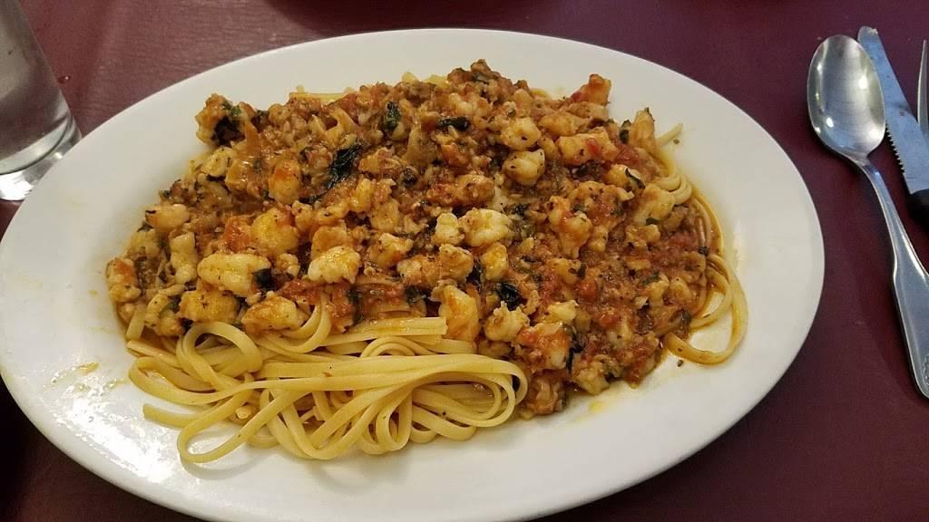 Dominicks | restaurant | 2335 Arthur Ave, Bronx, NY 10458, USA | 7187332807 OR +1 718-733-2807