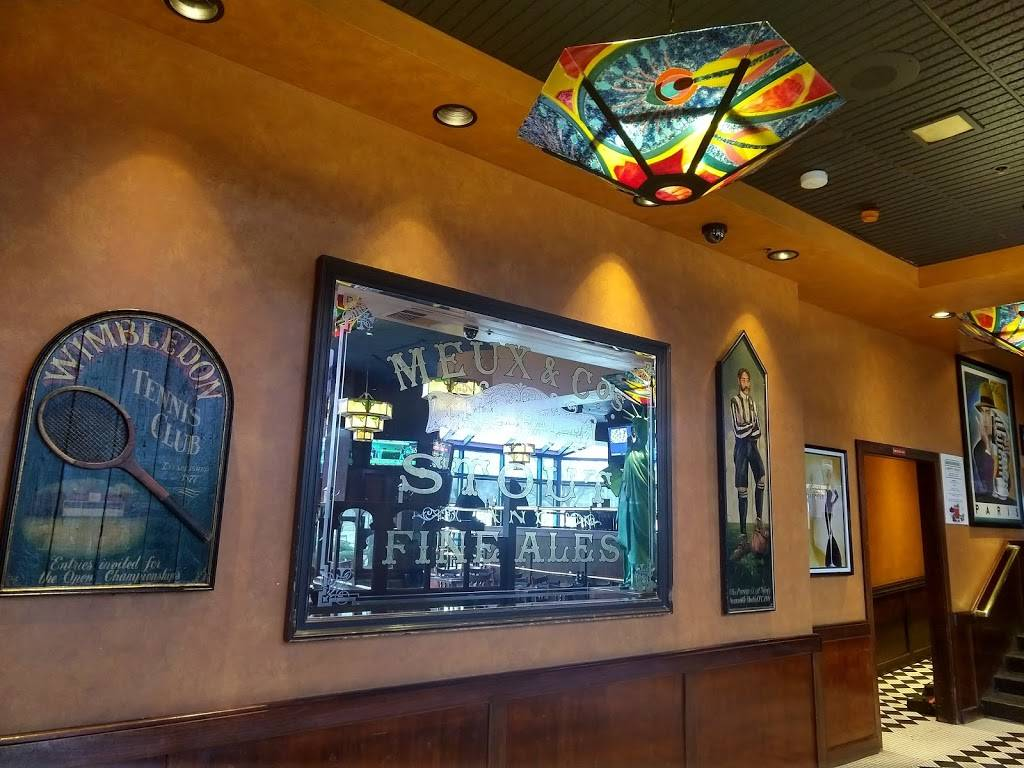 Houlihans | restaurant | 1200 Harbor Blvd, Weehawken, NJ 07086, USA | 2018634000 OR +1 201-863-4000