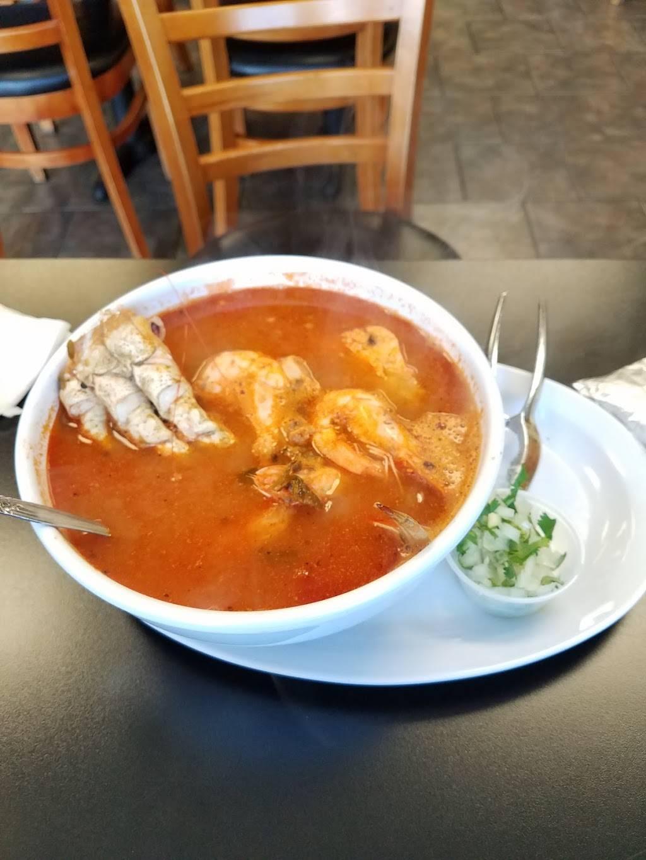 La Fonda Taqueria Y Mariscos | restaurant | 3216 Niles St, Bakersfield, CA 93306, USA | 6618739137 OR +1 661-873-9137