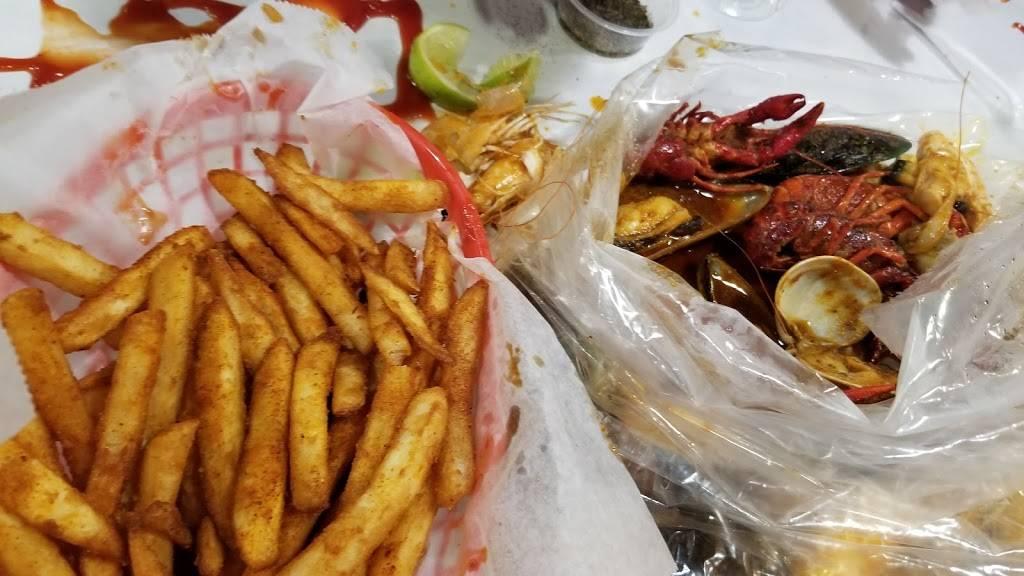 The Wild Crab | restaurant | 9730 Garden Grove Blvd, Garden Grove, CA 92844, USA | 7145308877 OR +1 714-530-8877