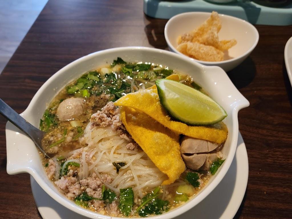Salween Thai Restaurant IV | restaurant | 9939 Redick Cir, Omaha, NE 68122, USA | 4024523597 OR +1 402-452-3597