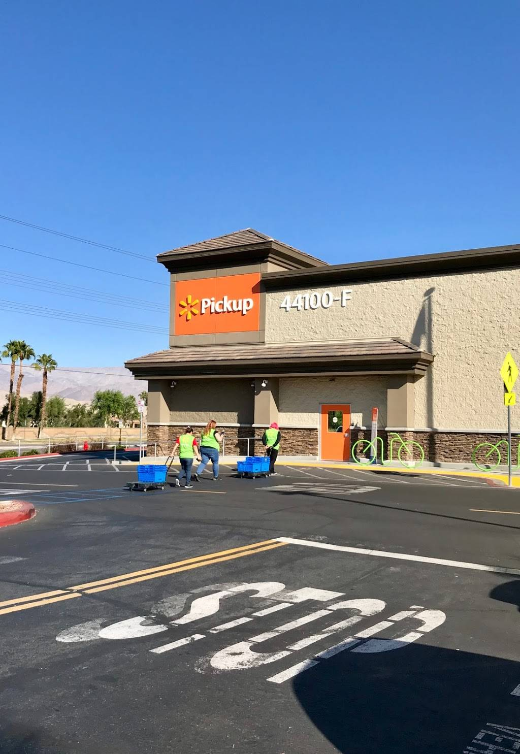 Heritage Court | shopping mall | 44100 Jefferson St, Indio, CA 92201, USA | 7608046900 OR +1 760-804-6900