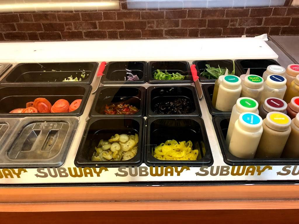 Subway | restaurant | 125 Westbrook Rd Unit 3 B Bokum Center, Essex, CT 06426, USA | 8607678646 OR +1 860-767-8646