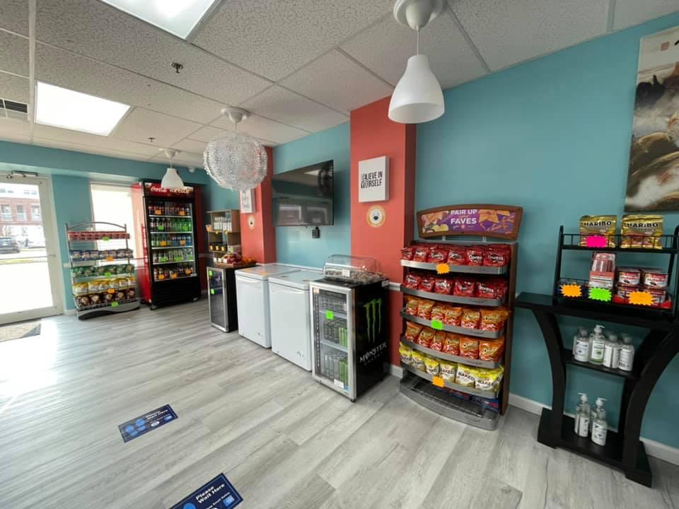 Fruity Smoothie   cafe   13895 Hedgewood Dr Suite 149, Woodbridge, VA 22193, USA   7034596619 OR +1 703-459-6619