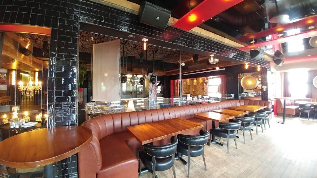 Délice Resto Lounge | restaurant | 146 Route du Président-Kennedy, Lévis, QC G6V 6C9, Canada | 4188332221 OR +1 418-833-2221