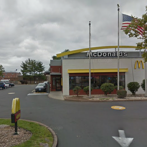 McDonalds | cafe | 172 Washington St, Hartford, CT 06106, USA | 8605602292 OR +1 860-560-2292