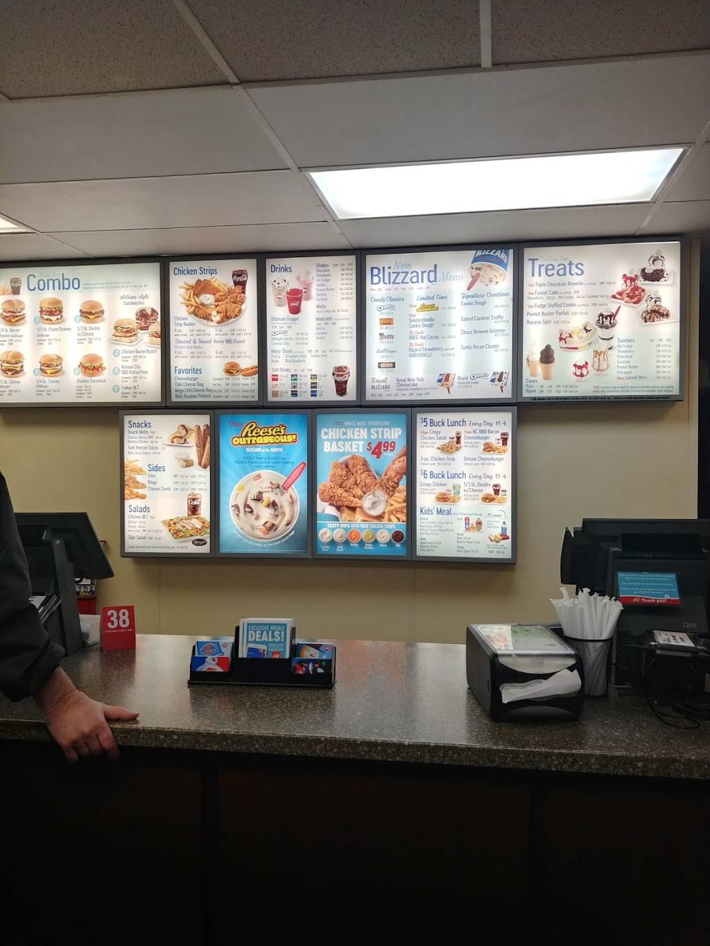 Dairy Queen Grill & Chill | restaurant | 404 N 114th St, Omaha, NE 68154, USA | 4023334623 OR +1 402-333-4623