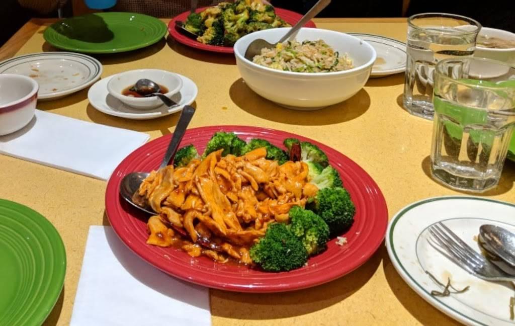 Hot Wok Cafe   restaurant   217 Clarksville Rd, West Windsor Township, NJ 08550, USA   6097168983 OR +1 609-716-8983