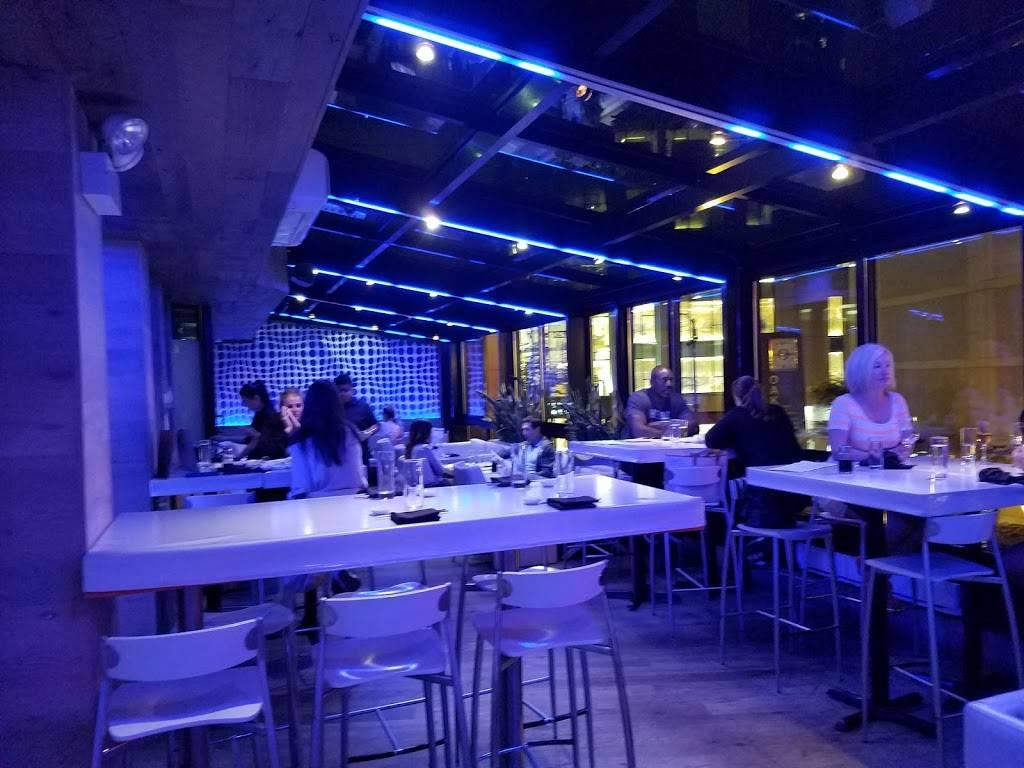 Jellyfish | night club | 1009 N Rush St, Chicago, IL 60611, USA | 3126603111 OR +1 312-660-3111