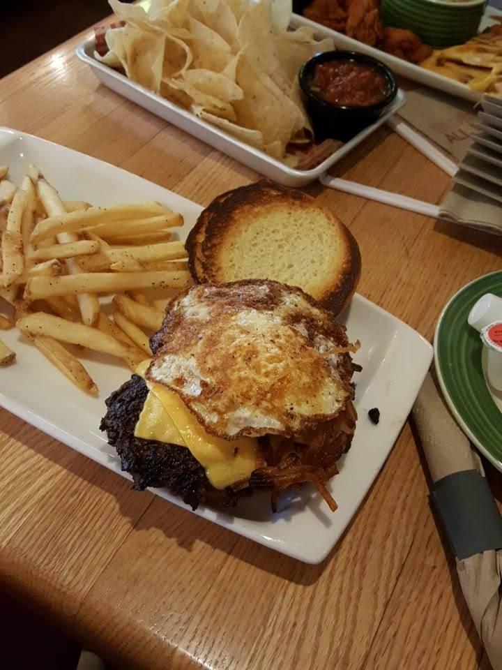 Applebees Grill + Bar | restaurant | 6806 Walton Ln, Gloucester, VA 23061, USA | 8046943160 OR +1 804-694-3160