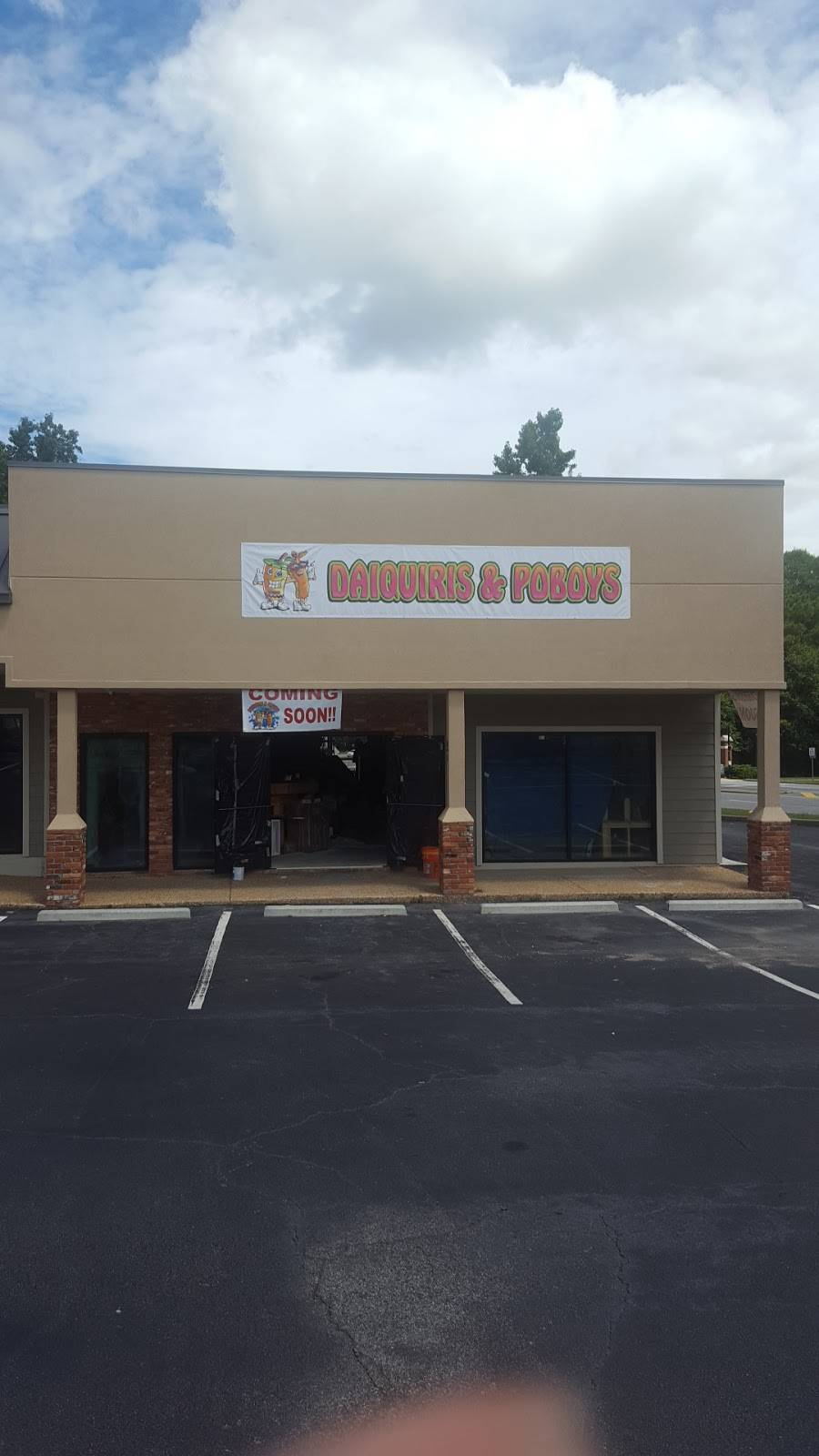 daiquiris & poboys | restaurant | 3709 Gentian Blvd, Columbus, GA 31907, USA