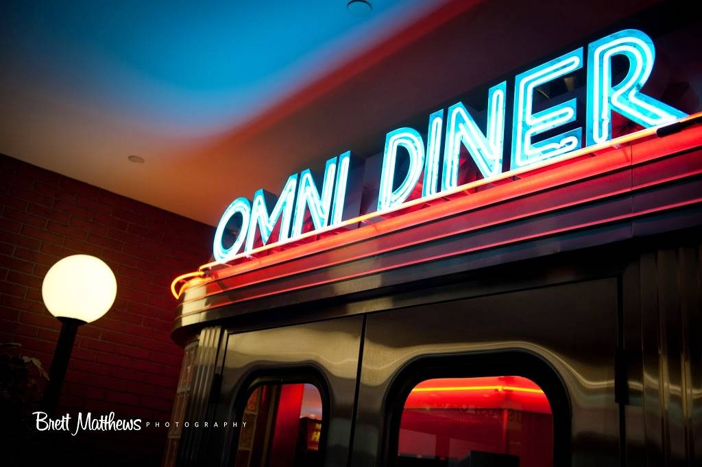 Carlyle At the Omni | restaurant | 333 Earle Ovington Blvd Ste Ll4, Uniondale, NY 11553, USA | 5162272600 OR +1 516-227-2600