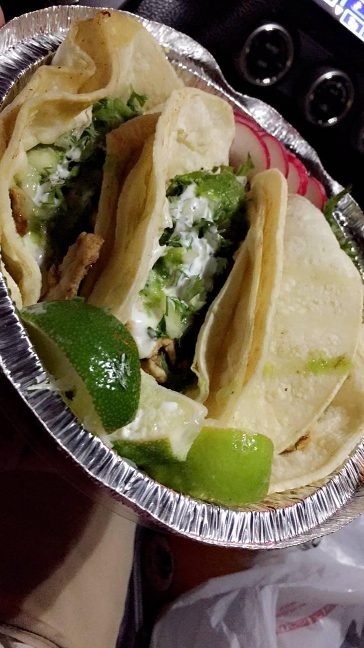 El rey Del Taco Truck | restaurant | 3301 30th Ave, Astoria, NY 11103, USA | 3476393023 OR +1 347-639-3023