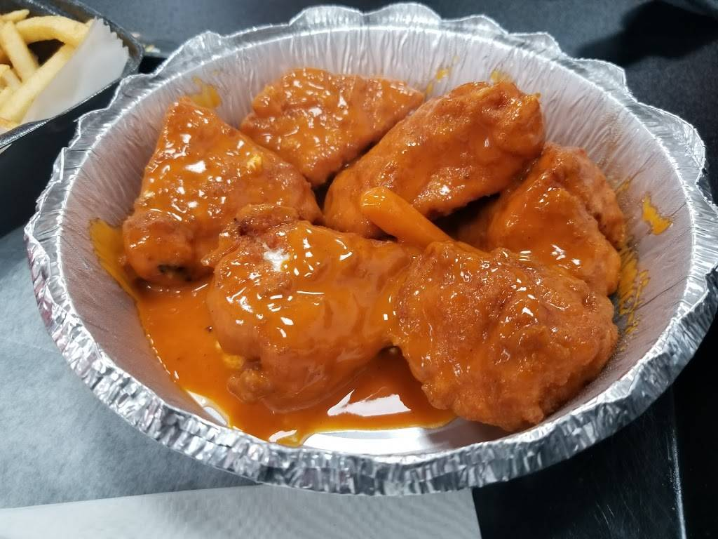Krazy Pizza and Wings | restaurant | 956 Broadway, Brooklyn, NY 11221, USA | 7189754496 OR +1 718-975-4496