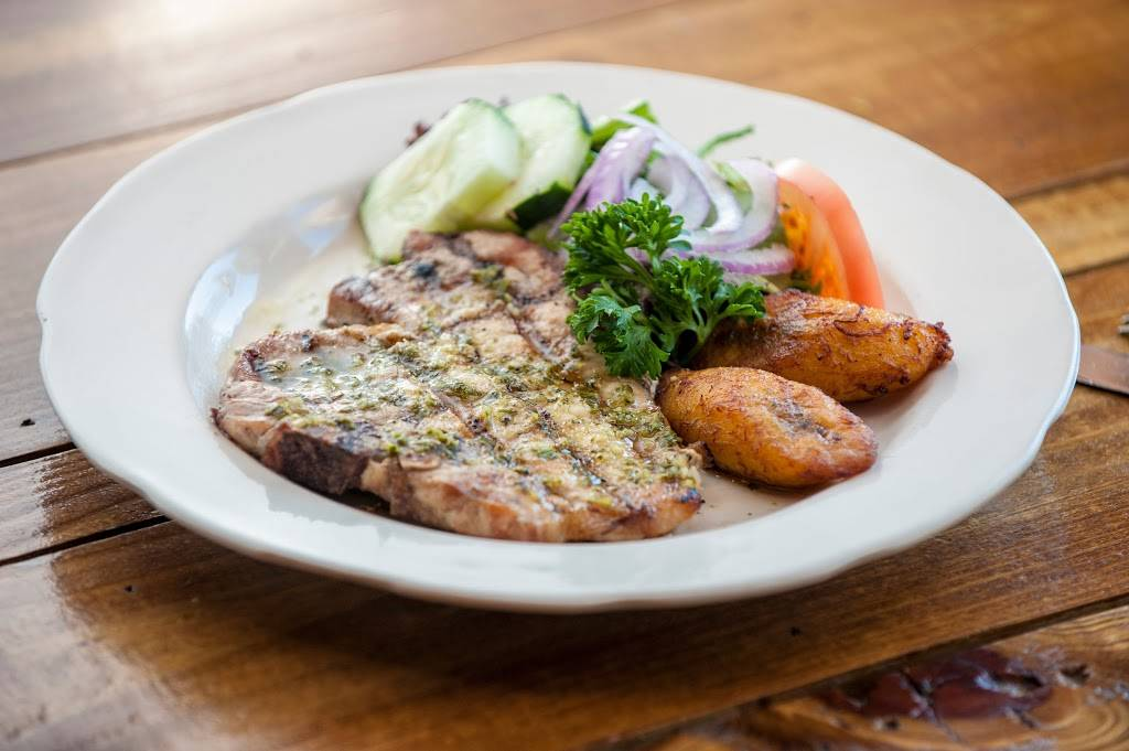 Maria Mentiras Bar & Grill | restaurant | 328 32nd St, Union City, NJ 07087, USA | 2013480178 OR +1 201-348-0178