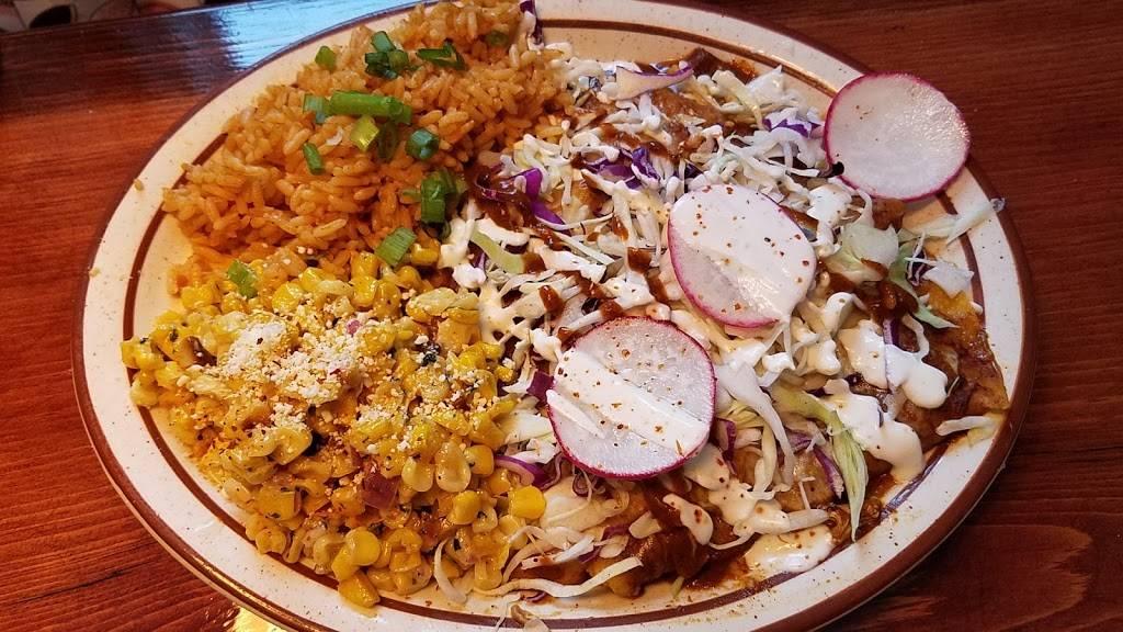 Mavericks Restaurante Mexicano | restaurant | 1021 1st Ave, Woodruff, WI 54568, USA | 7153580772 OR +1 715-358-0772