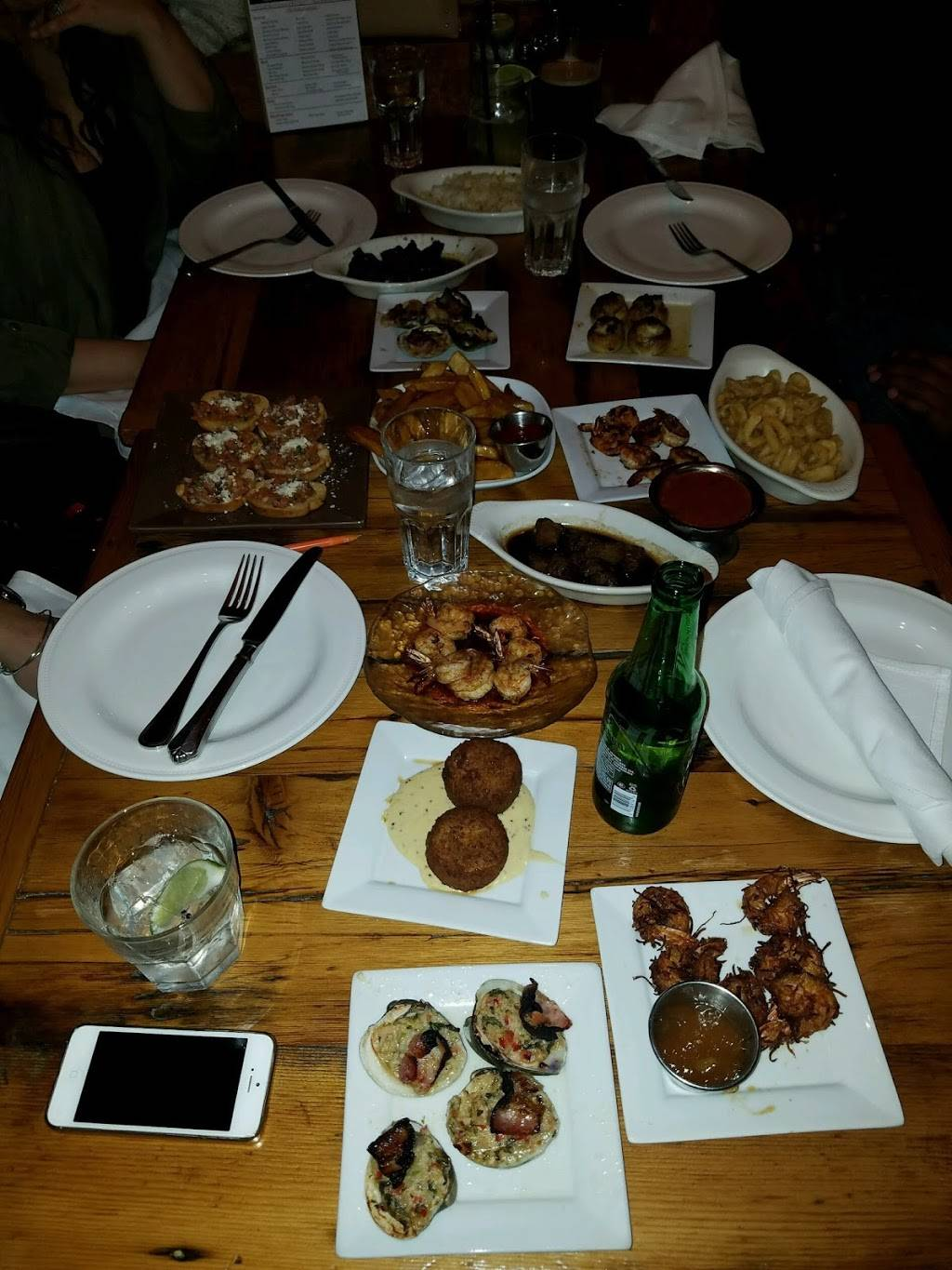 Taos Restaurant & Lounge | restaurant | 356 Paterson Ave, East Rutherford, NJ 07073, USA | 2014608988 OR +1 201-460-8988