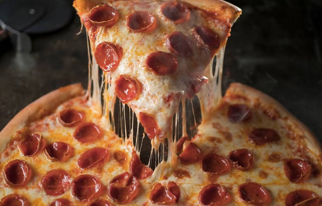 Jets Pizza | meal delivery | 2031 West Rd, Trenton, MI 48183, USA | 7346715387 OR +1 734-671-5387