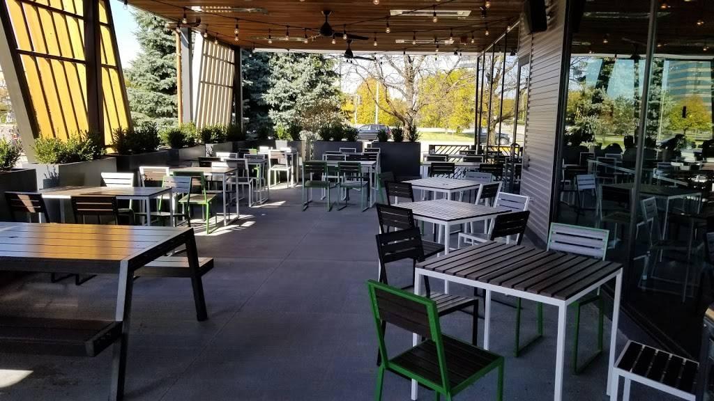 Shake Shack | restaurant | 1765 E Golf Rd, Schaumburg, IL 60173, USA | 7088526305 OR +1 708-852-6305