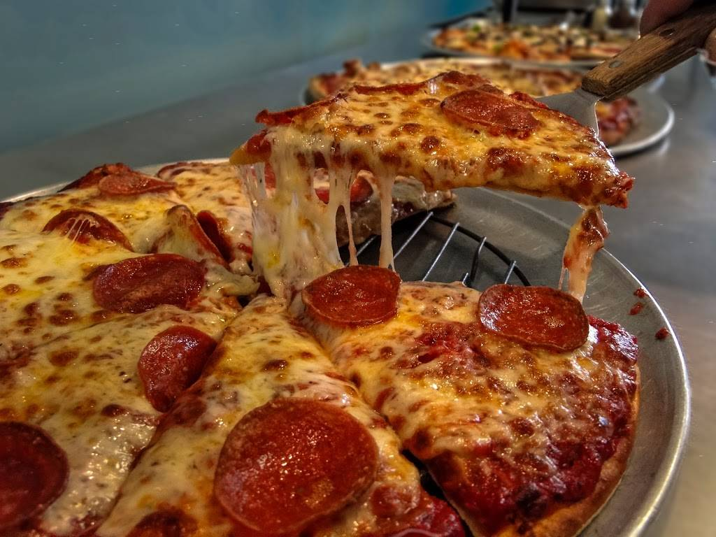 Dinos Pizza | restaurant | 1601 121st St, Whiting, IN 46394, USA | 2196590715 OR +1 219-659-0715