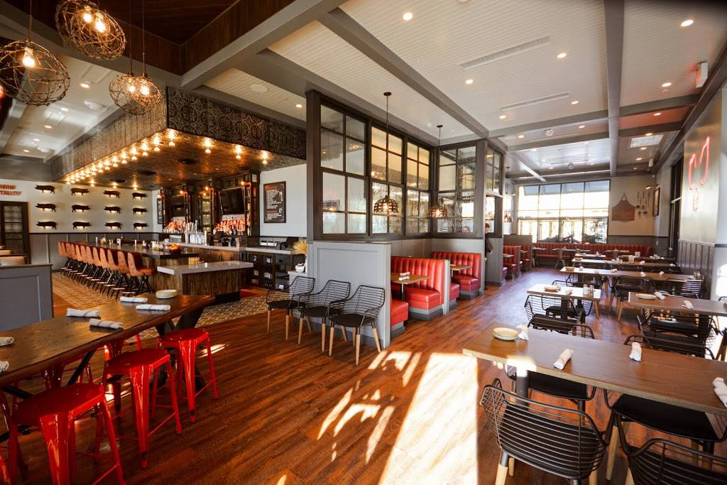 Guss BBQ | restaurant | 20179 W Rinaldi Street Suite 150 The Vineyards at, Porter Ranch, CA 91326, USA | 8183413000 OR +1 818-341-3000