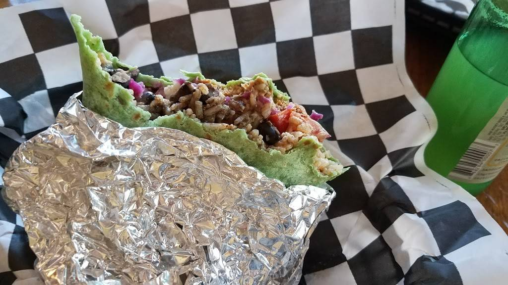 86 This | meal takeaway | 125 Main St, Ellsworth, ME 04605, USA | 2076101777 OR +1 207-610-1777