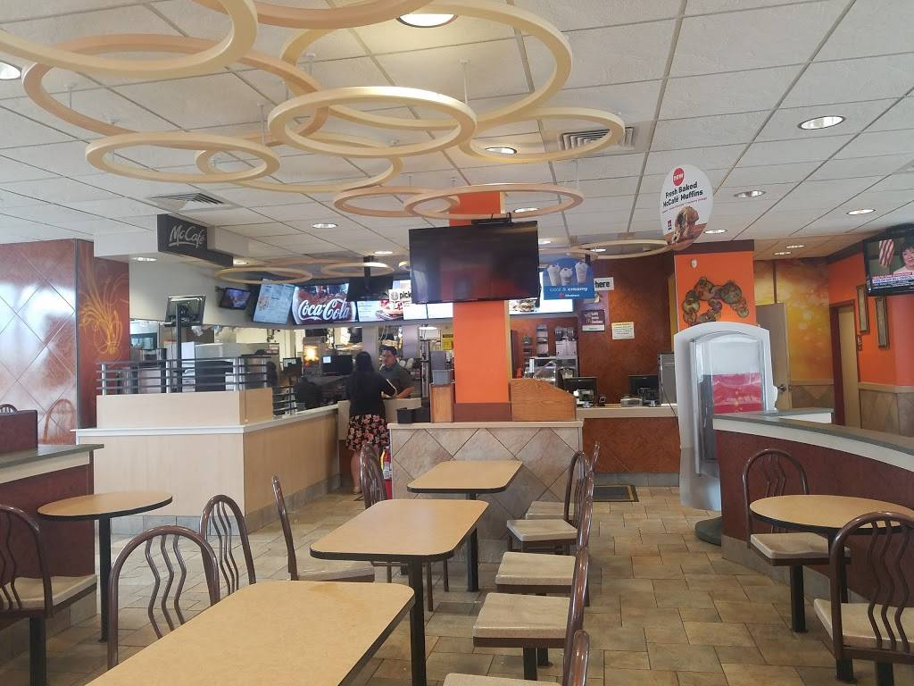 McDonalds | cafe | 17810 S Torrence, Lansing, IL 60438, USA | 7084742450 OR +1 708-474-2450