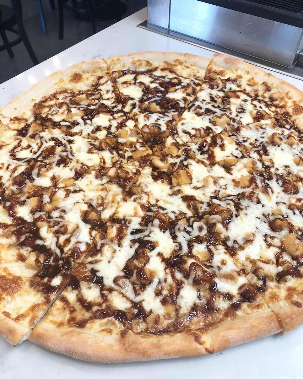 Linwood Pizza | restaurant | 3701, 140 Linwood Dr, Fort Lee, NJ 07024, USA | 2019446789 OR +1 201-944-6789