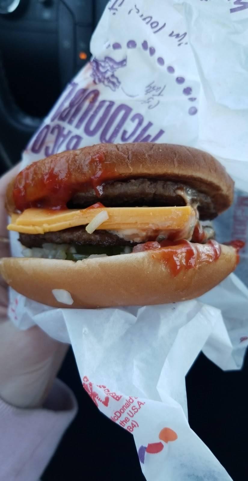 McDonalds | cafe | 914 Washington St, Middletown, CT 06457, USA | 8603440666 OR +1 860-344-0666