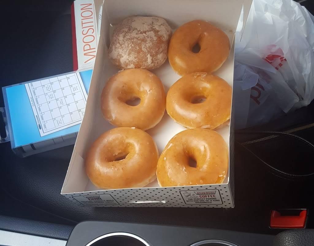 Krispy Kreme | bakery | 511 Moosic St, Scranton, PA 18505, USA | 5703434608 OR +1 570-343-4608