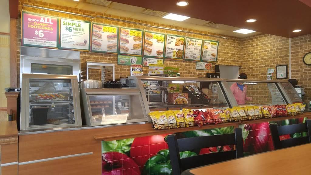 Subway | restaurant | 105 N Main St, Georgetown, IL 61846, USA | 2176626300 OR +1 217-662-6300