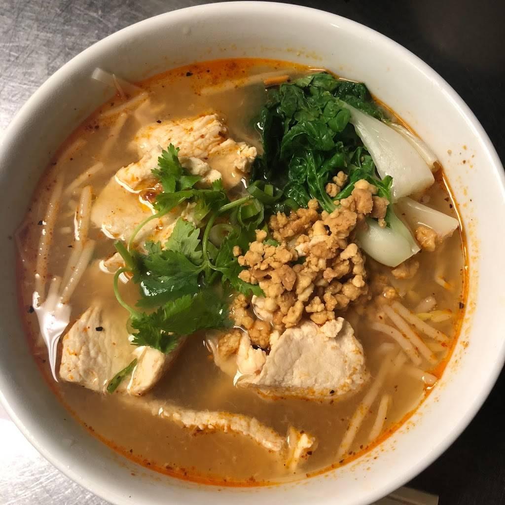 Ott Thai Cuisine | restaurant | 970 Manhattan Ave, Brooklyn, NY 11222, USA | 7186092416 OR +1 718-609-2416