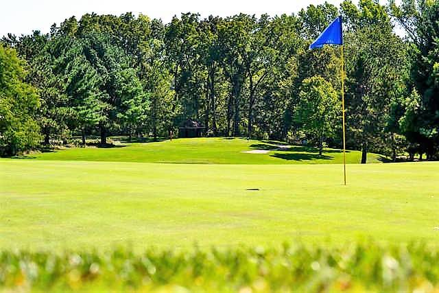 Johnson Park Golf Course - Restaurant | 6200 Northwestern Ave