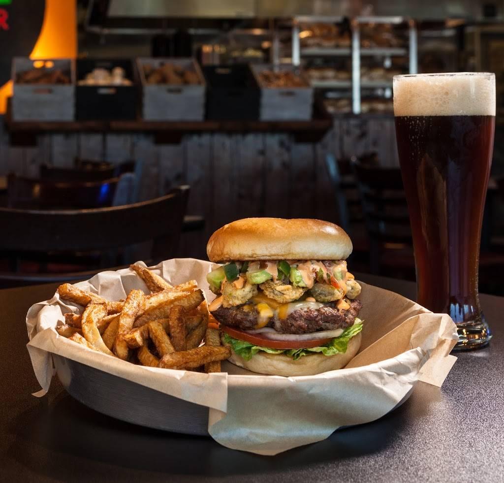 Border Burger Bar | restaurant | 4703 N Academy Blvd, Colorado Springs, CO 80918, USA | 7194342352 OR +1 719-434-2352