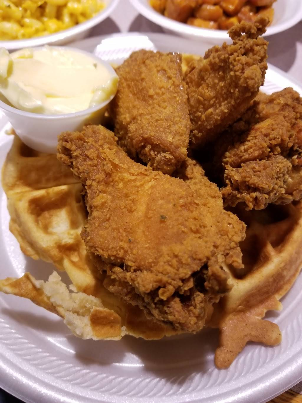 Vells-Soul Food with a Twist | restaurant | 515 S Main St, Kannapolis, NC 28081, USA | 7049328357 OR +1 704-932-8357