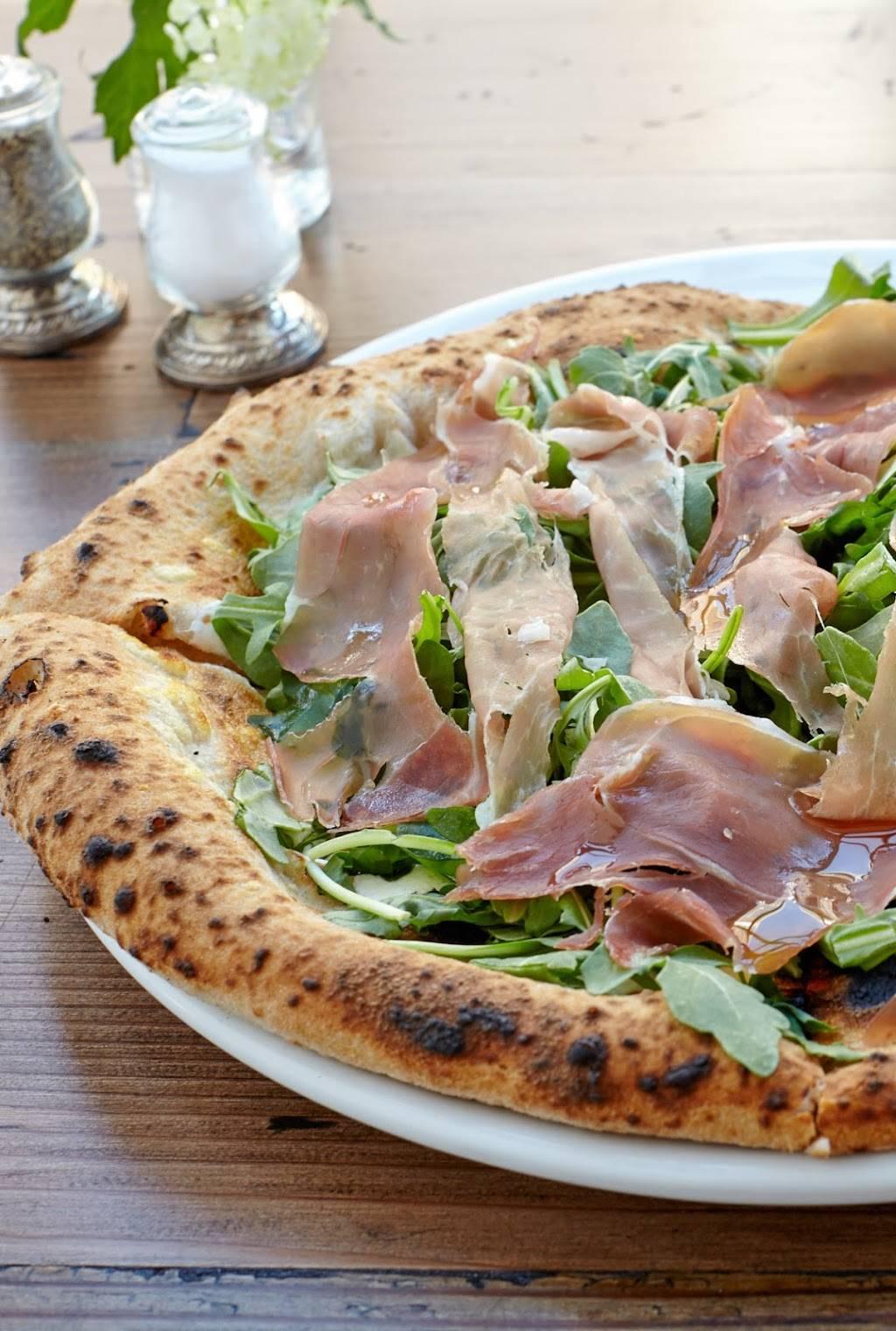 Izzys Pizzeria   restaurant   City Place, 86 The Promenade, Edgewater, NJ 07020, USA   2017952600 OR +1 201-795-2600