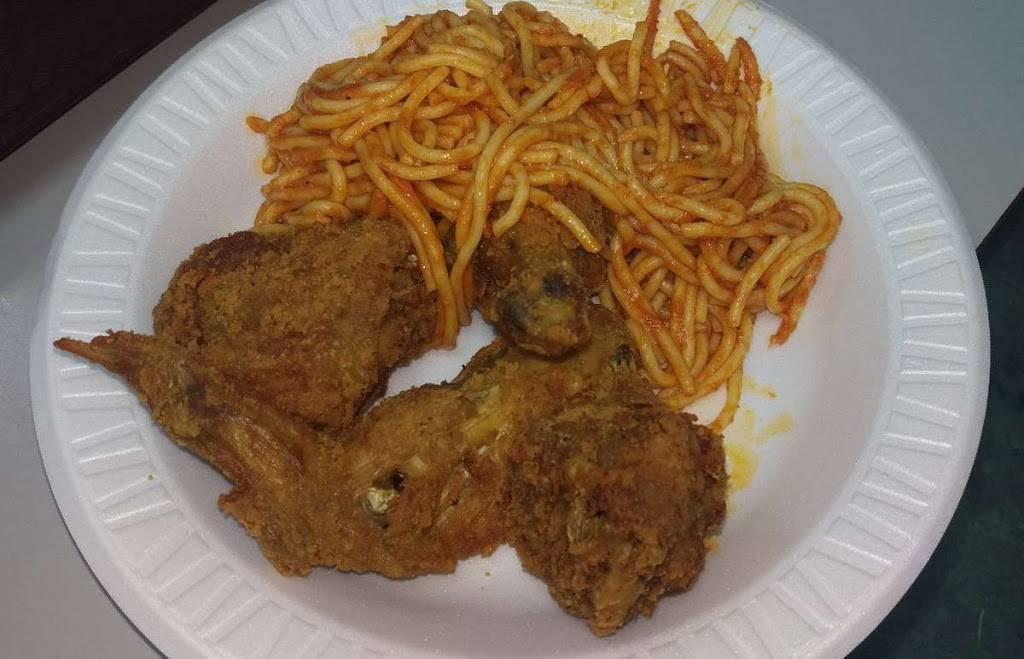 Johns Fried Chicken | restaurant | 6719 Bergenline Ave, Guttenberg, NJ 07093, USA | 2018616663 OR +1 201-861-6663