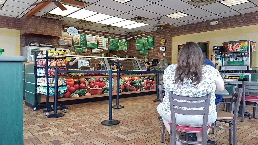 Subway | meal takeaway | 1207 S Elliott Ave, Aurora, MO 65605, USA | 4176785869 OR +1 417-678-5869