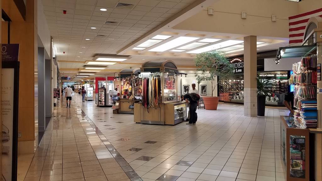 Westgate Mall | shopping mall | 200 Westgate Dr, Brockton, MA 02301, USA | 5085888916 OR +1 508-588-8916