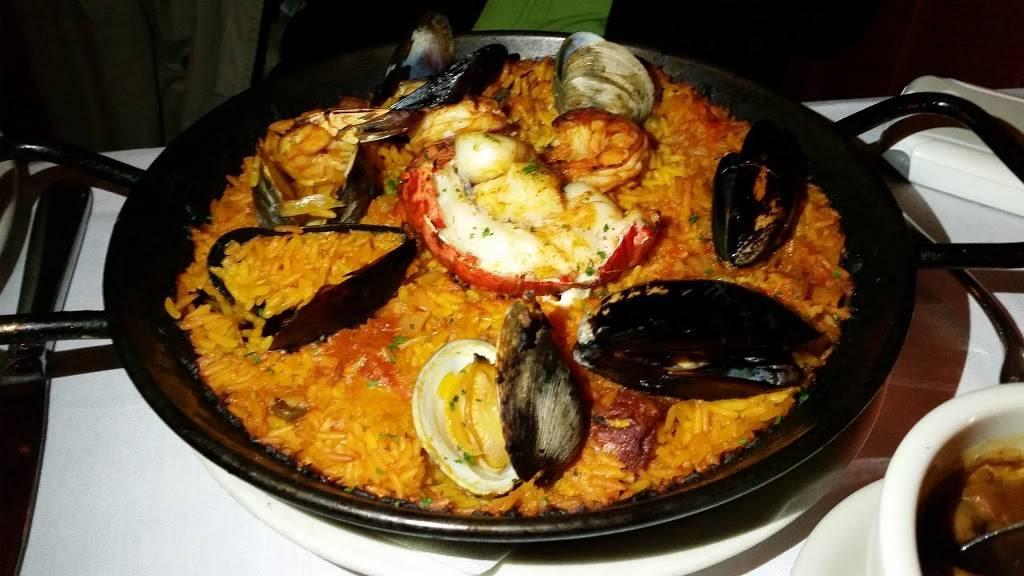 El Parador Cafe | restaurant | 325 E 34th St, New York, NY 10016, USA | 2126796812 OR +1 212-679-6812