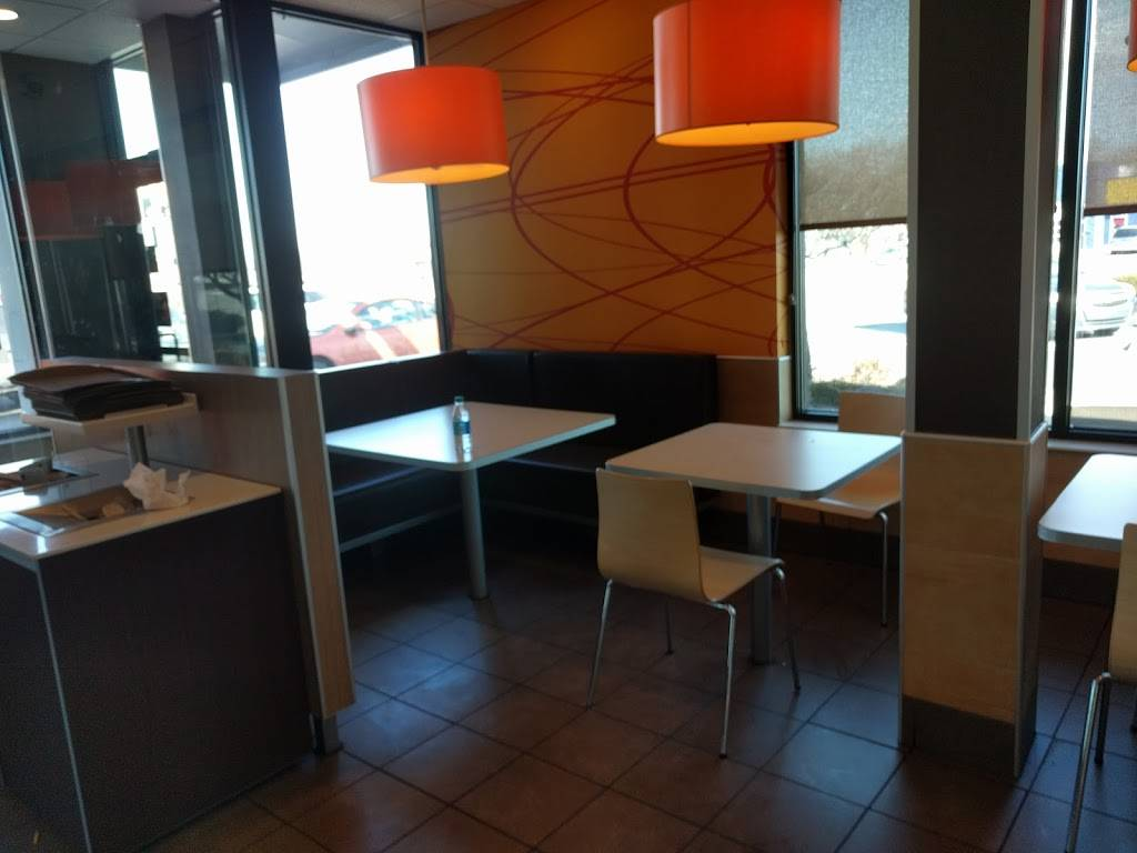 McDonalds | cafe | 2106 Dix Hwy, Lincoln Park, MI 48146, USA | 3133834800 OR +1 313-383-4800